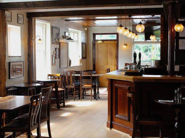 george inn bar area