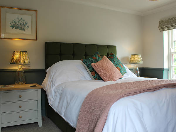 george inn bedroom1